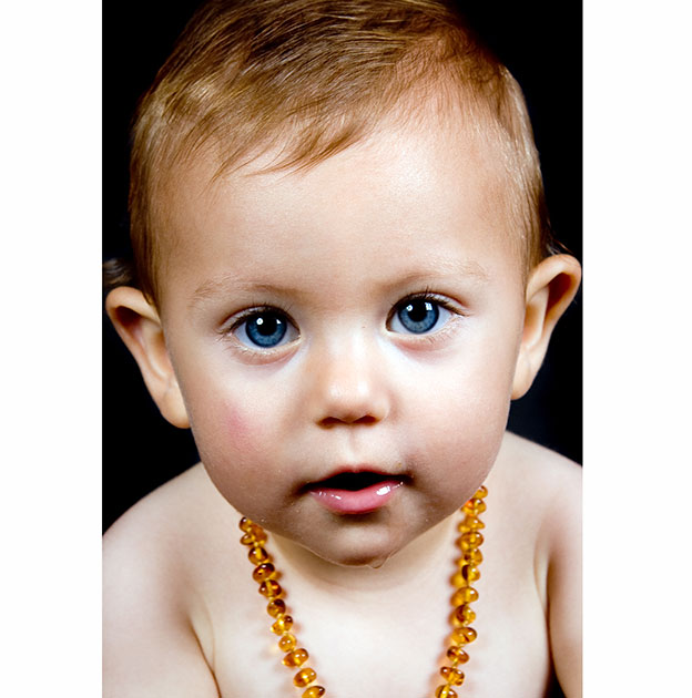 Amber teething necklace for kids